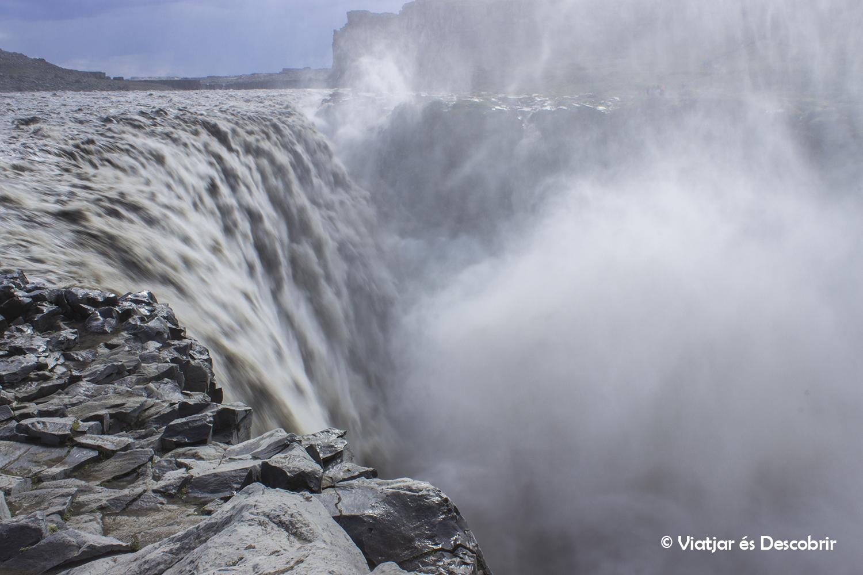 Islàndia, juliol 2013 – Dia 6: Sortim a veure balenes i descobrim les grans cascades del nord