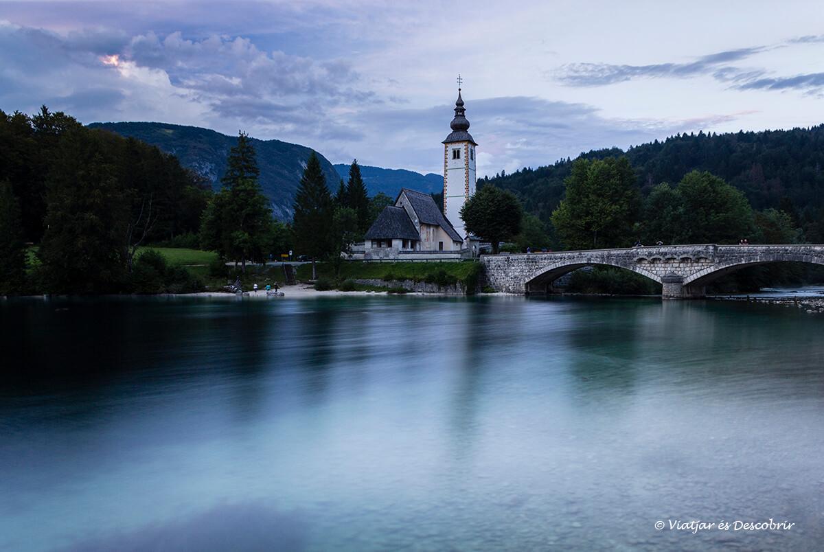 El llac Bohinj és un dels símbols d'Eslovènia