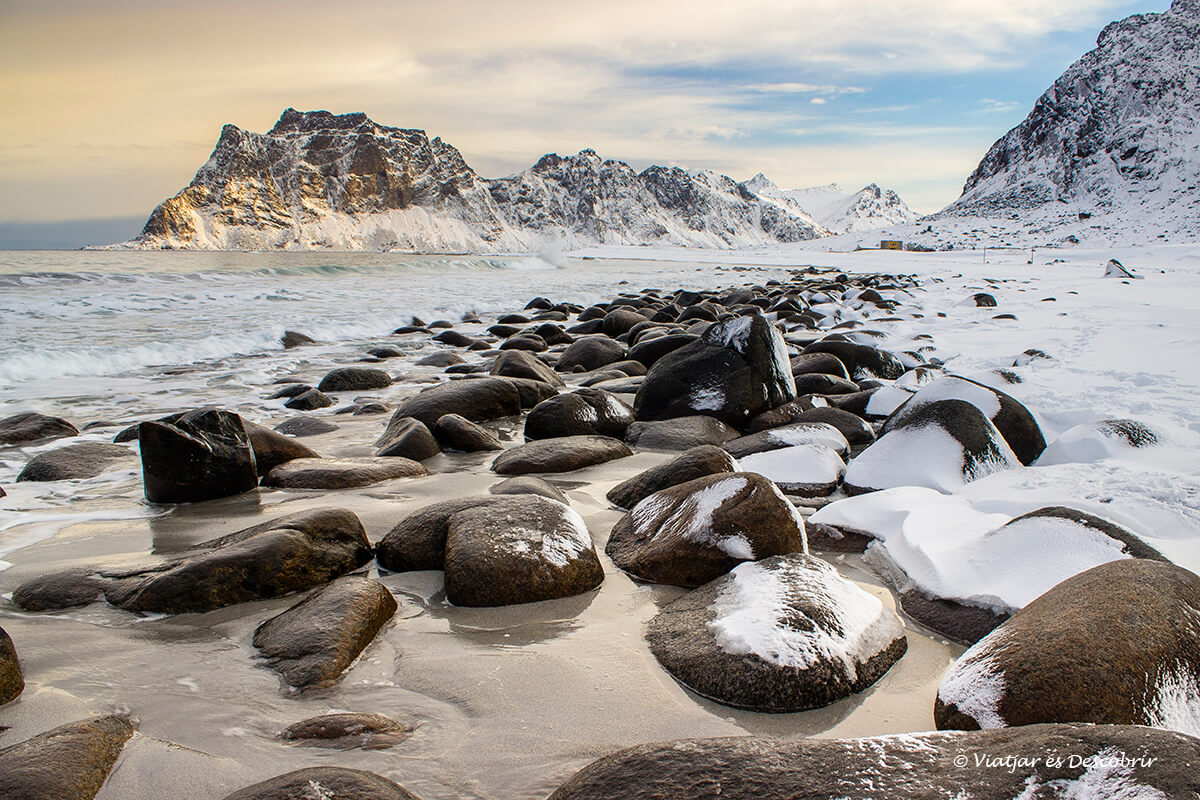 La famosa Uttakleiv beach de les Lofoten.