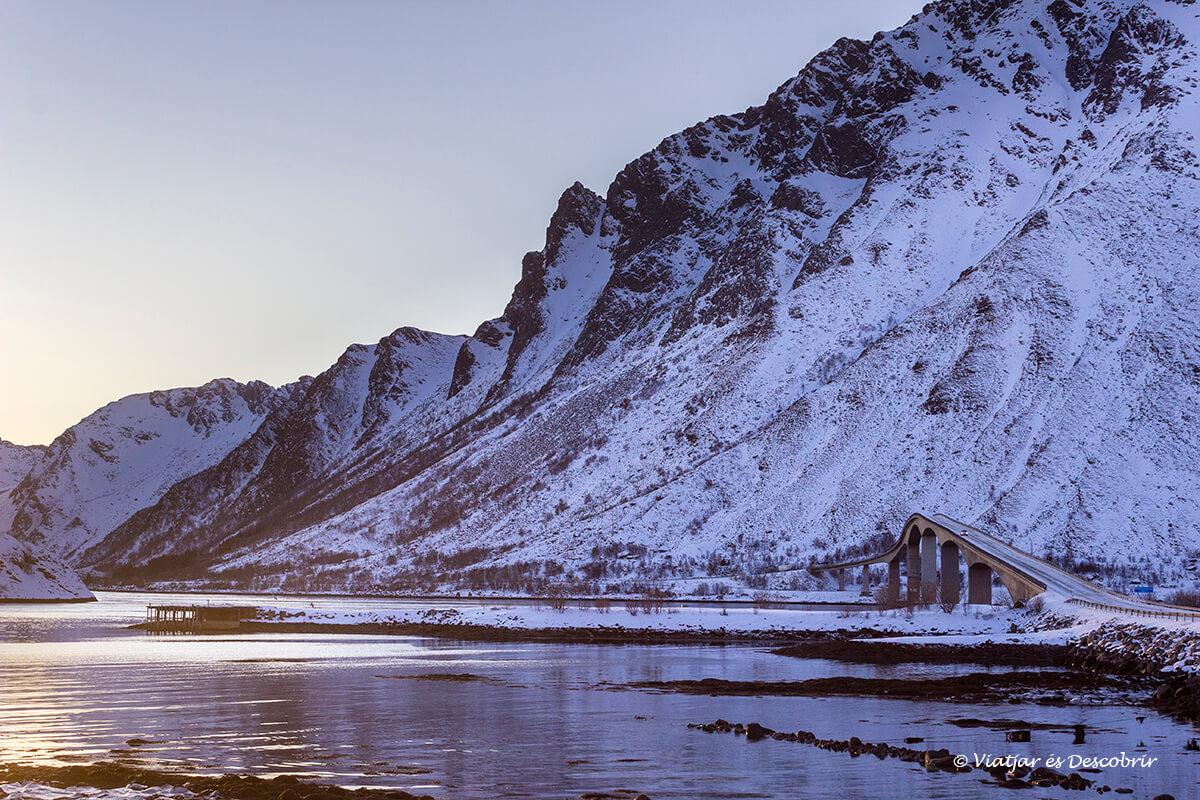 les Illes Lofoten estan conectades per enormes ponts.