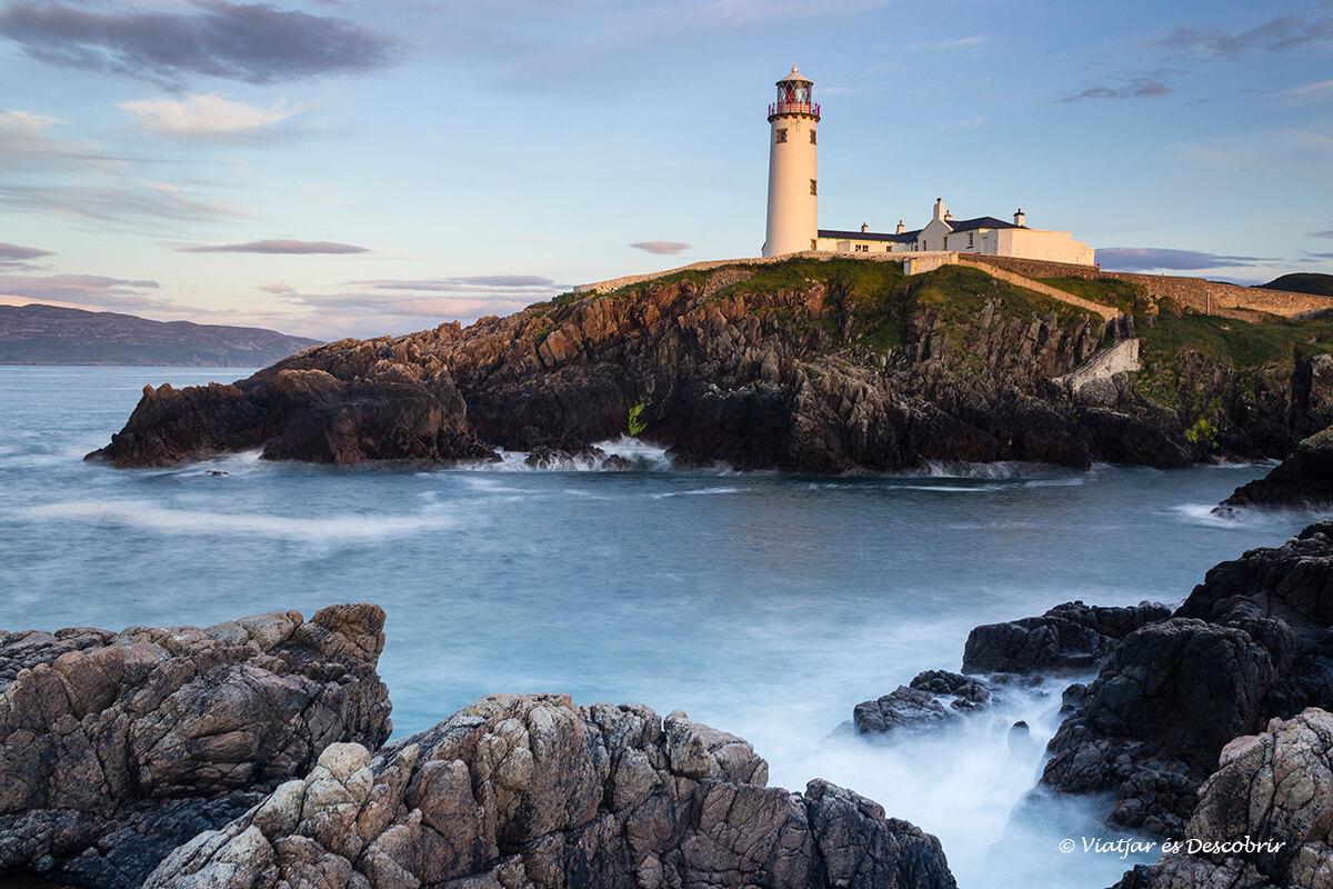 far de la costa del nord de irlanda