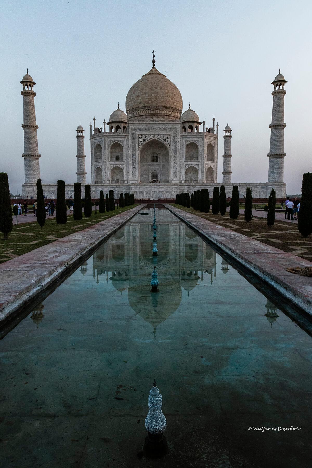 el taj mahal no podia faltar a la planificacio del viatge a l'india en 16 dies