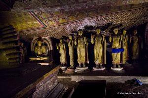El Buda d'Aukana i les Coves de Dambulla
