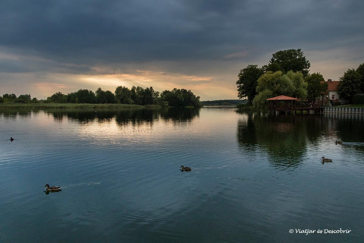 posta de sol al llac de Pasym
