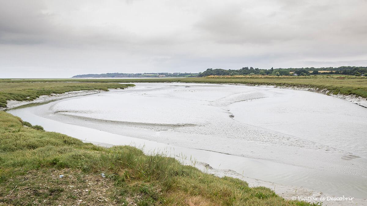 litoral bretanya fancesa amb bicicleta badia reserva natural