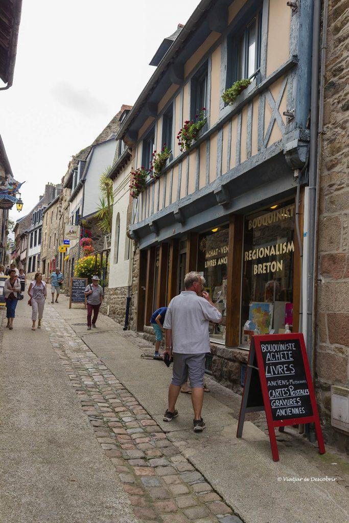carrers pobles medievals litoral bretanya francesa bicicleta