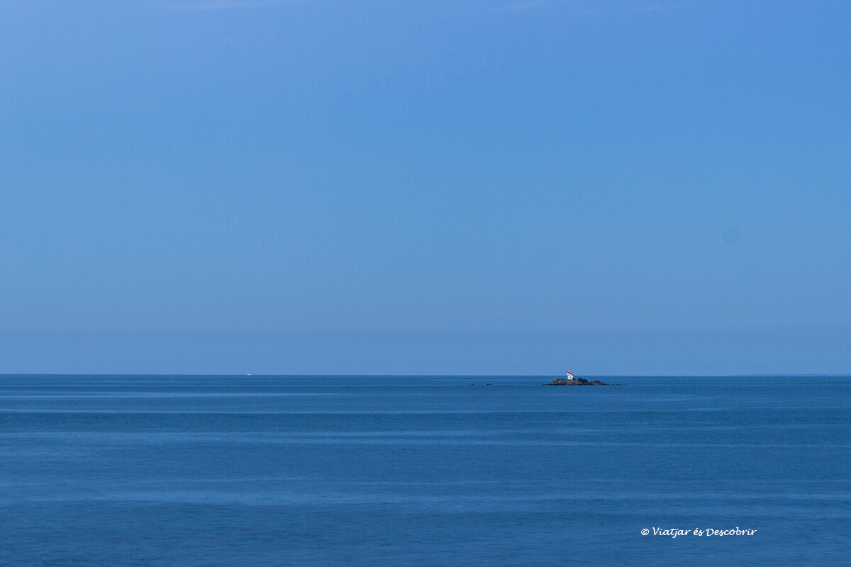 litoral bretanya francesa far solitari
