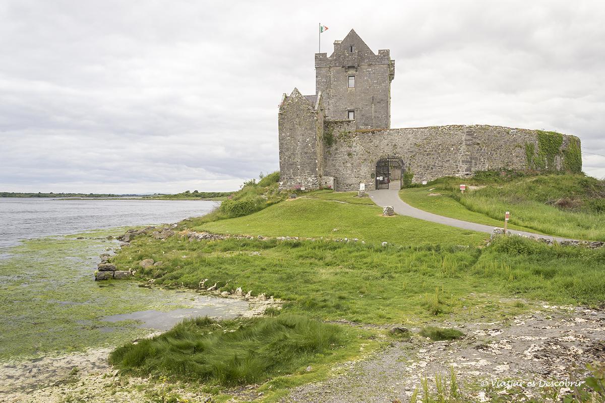 els castells d'irlanda són un dels símbols del país