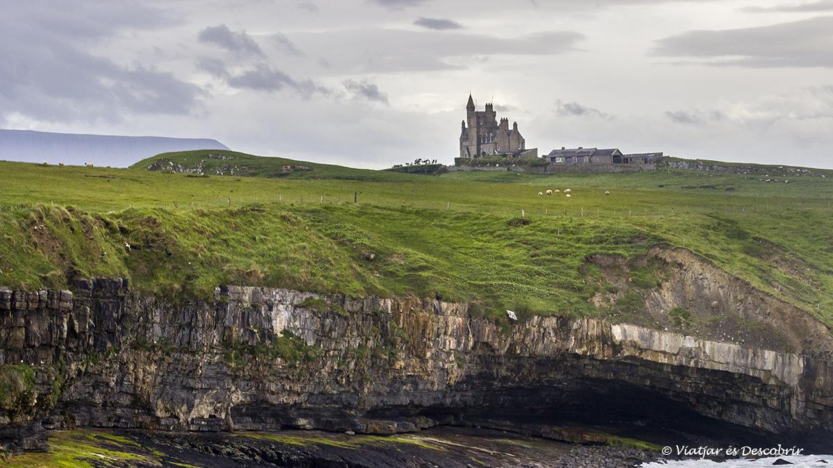 Castell de Classiebawn al nord d'irlanda