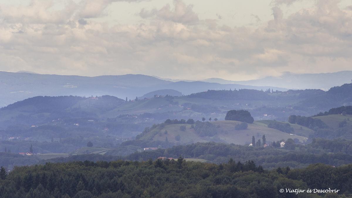 sortida de sol als slovenian hills