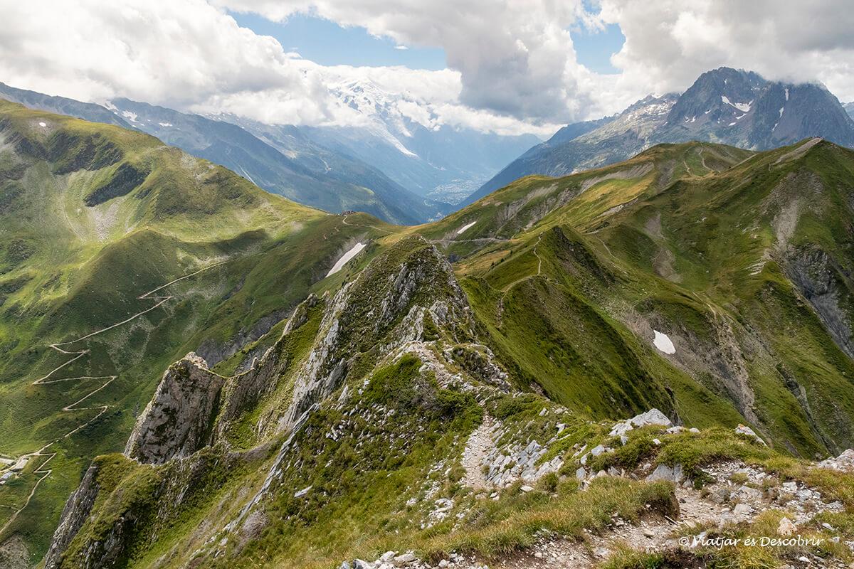 panoramica des de la croix du fer durant el viatge als alps francesos