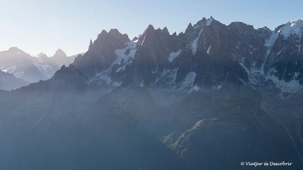 viatge a chamonix paisatge de les agulles dels alps francesos