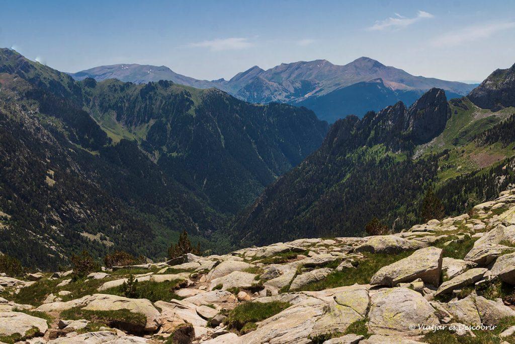 vista de la vall d'eriste abans de completar el descens des del pic posets