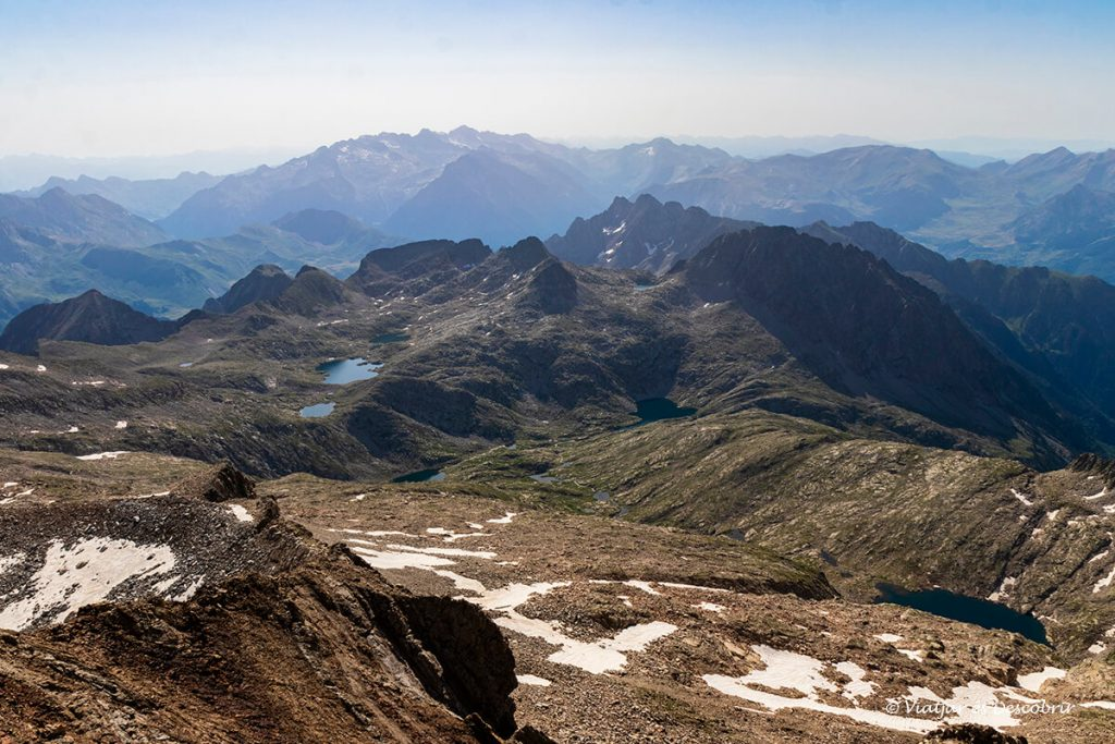 estanys i pics escarpats dels pirineus aragonesos