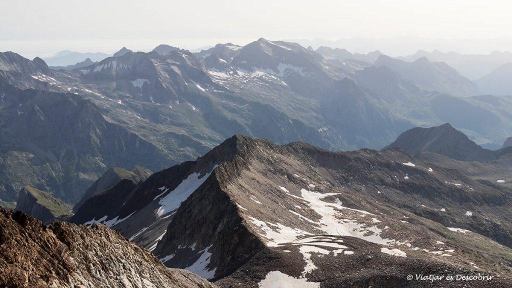 ascensió al posets panoramica des del cim