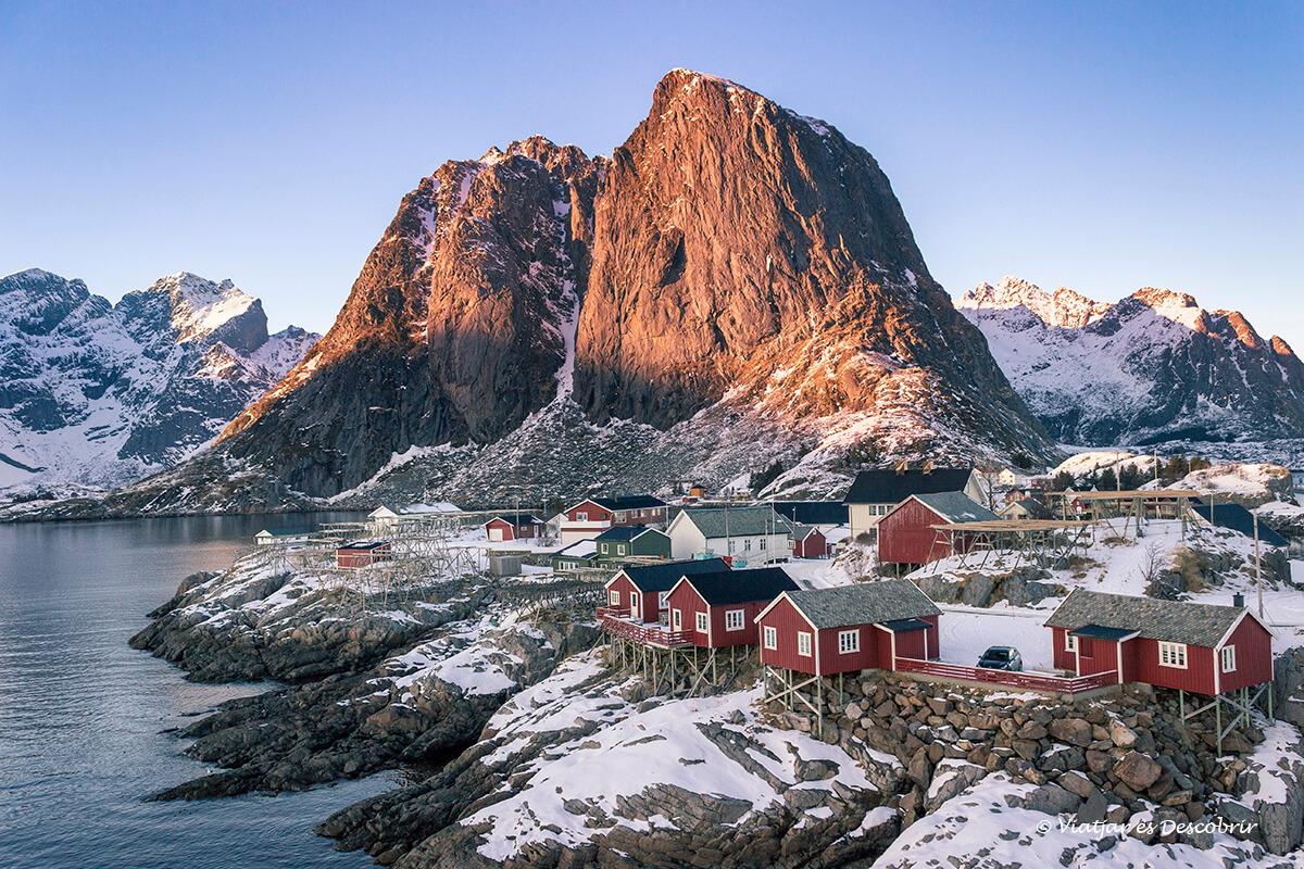 Ruta amb cotxe per les Illes Lofoten: De Leknes a Reine