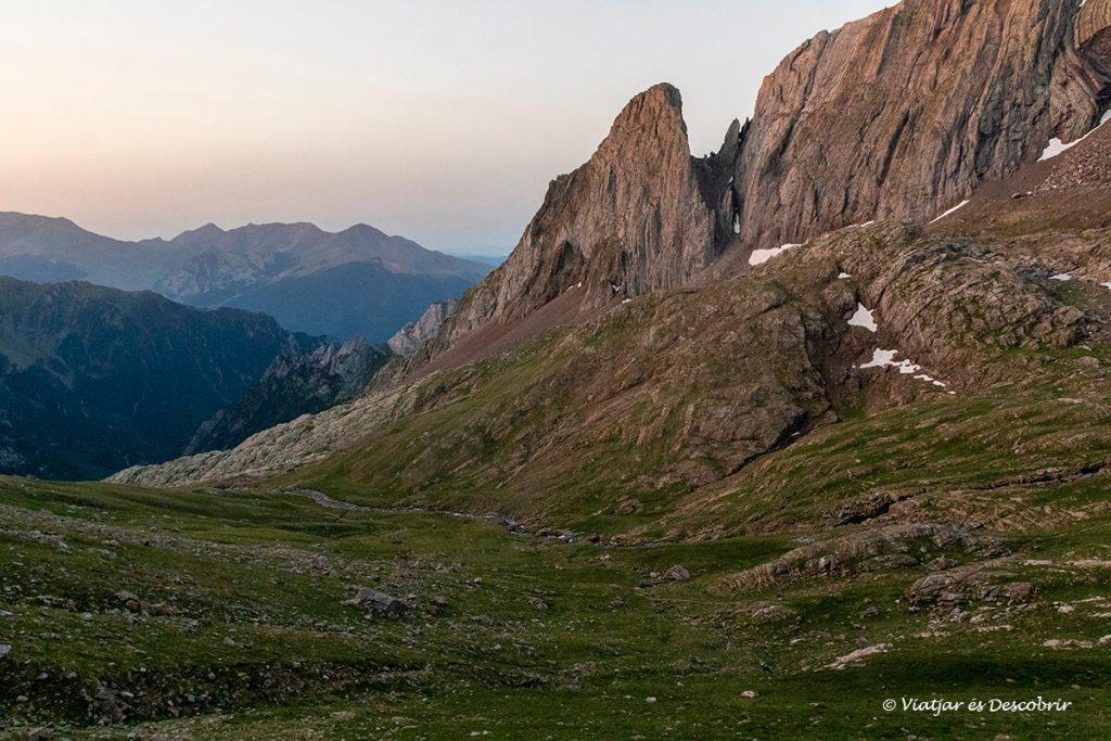 paisatges que es poden veure al llarg de l'ascensió al posets des de angel orús