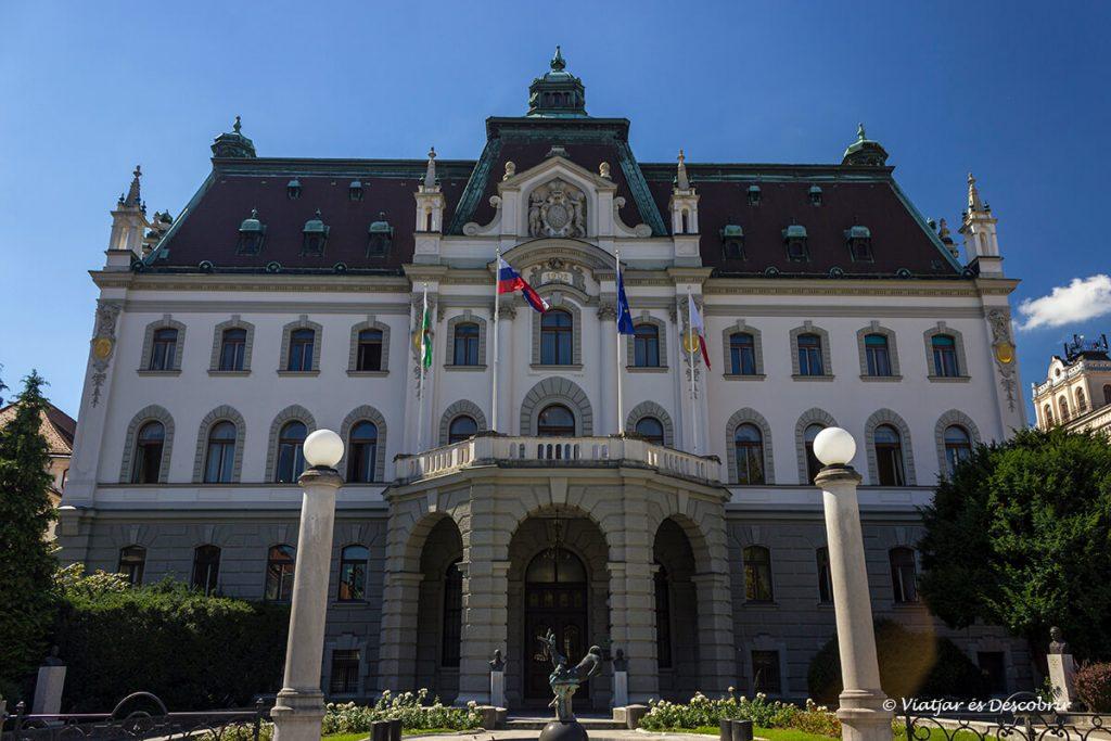 palau a ljubljana a la part nova de la ciutat