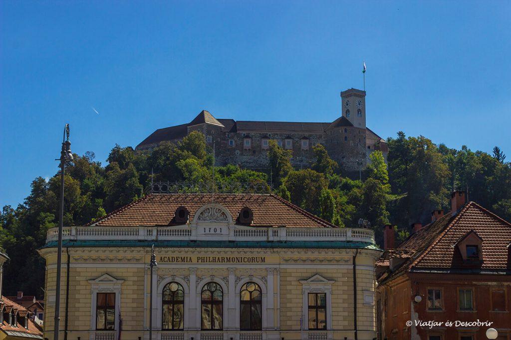 el castell de ljubljana és un imprescindible a visitar