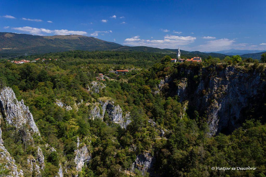 vista panoràmica cova Škocjan